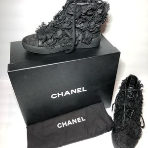 NEW Chanel Black Camellia Floral Lace Mesh Sneaker